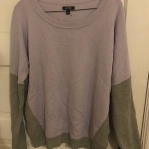 Colorblocked Light purple and grey sweater - Sz m